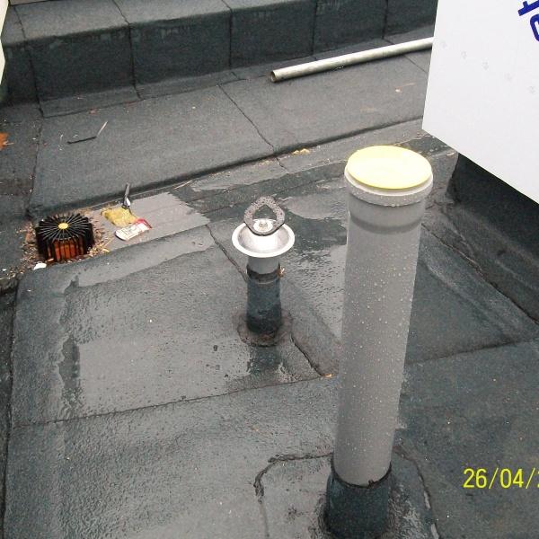 Kotvící bod LDV029 na ocelovém sloupku