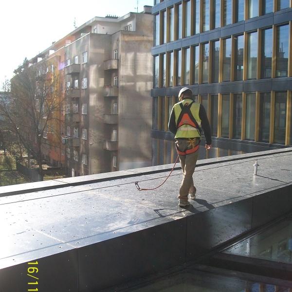 Jistící lano Securope - světlík vstupní haly
