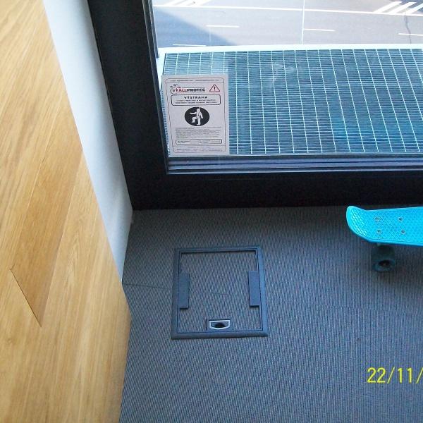 Kotvící bod LDV029 před vstupními dveřmi na servisní lávky